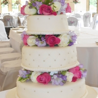 Fresh Flowers Wedding Cake wedding cake with fresh flowers