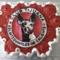 Xoloescuintles De Tijuana Vanilla and chocolate ccc, with team logo on fondant plaque and black royal icing.