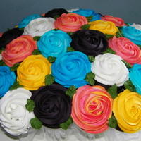 Cupcake Bouquet gender neutral for a baby shower, 38 cupcakes