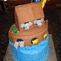 Noah's Ark My first time using MMF. Sure, the bottom is decorated with buttercream. Animals are MMF and rolled fondant.For more details, go to http://...