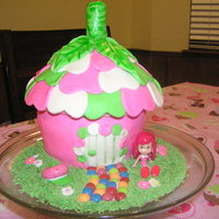 Strawberry Shortcake House this is a strawberry shortcake house cake made from a jumbo cupcake pan. my 4 year old (birthday girl) put the pathway in. she loved her...