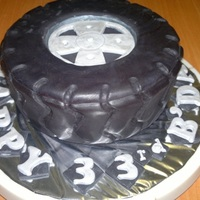 3D Tyre Cake Made this for someone who likes flipping tyres as a sport.