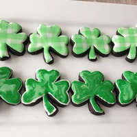 Shamrock Cookies!   Thanks sugarshack for the gingham tutorial! Mine are not as good, but I had fun!