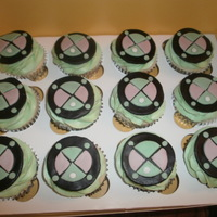 Ben Ten Ben Ten cupcakes. Fondant decorations