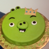 Angry Birds King Pig Birthday Cake Made for an AB addict at work!