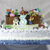 Toy Story Toy Box   Toy story toys in a fondant box.