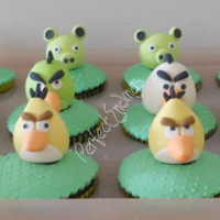 Angry Birds Cupcakes For Bree's 7Th Birthday fondant...all edible
