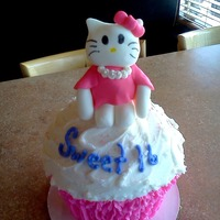 Sweet 16 Hello Kitty Jumbo Cupcake Cake
