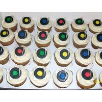 Dj/turntable Cupcakes Turntables were made with fondant.