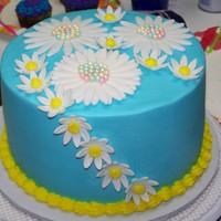 Daisy Cake Chocolate cake with buttercream and fondant daisy