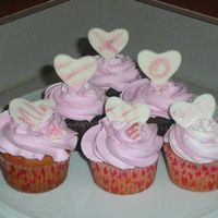 V-Day_Cuppies_003.jpg   simple pink cupcakes