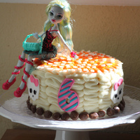 Monster High This Is A Very Simple Small Cake This Cake Was For A Middle Child Who Always Feels Like Shes Left Behind So I Made In Int Monster High. This is a very simple small cake. This cake was for a middle child who always feels like she's left behind, so I made in...