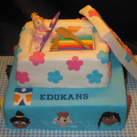 Cake For The Project: Shoebuddies For this project dutch schoolchildren are decorating and filling a shoebox with toys, schoolstuff, personal hygienestuff for children in...