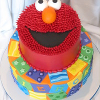 Elmo   Done in buttercream with fondant accents.