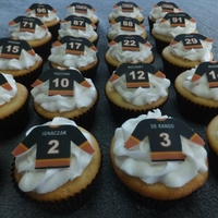 Hockey Jersey Cupcakes   Burlingtn Griffins hockey team