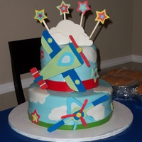 Airplane mm fondant and accents made out of regular fondant