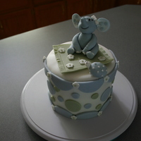 My Very First Fondant Cake!