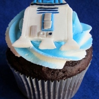 R2-D2 Cupcakes This cupcake was part of a set that included R2-D2, Clone Troopers, and light sabers. Chocolate cupcakes topped with a buttercream dream...