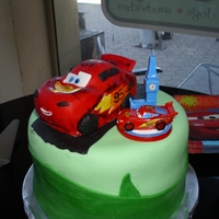 Lightning Mcqueen simple cake with Lightning on top