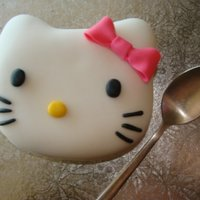 Mini Hello Kitty Cake Made this just for fun :)