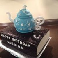 Fondant Teapot And Book *Fondant teapot and book