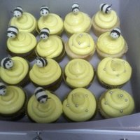 Bumble Bee Cupcakes Bumble Bee's made of fondant stuck into cupcakes w/a couple spagahatti noddles.