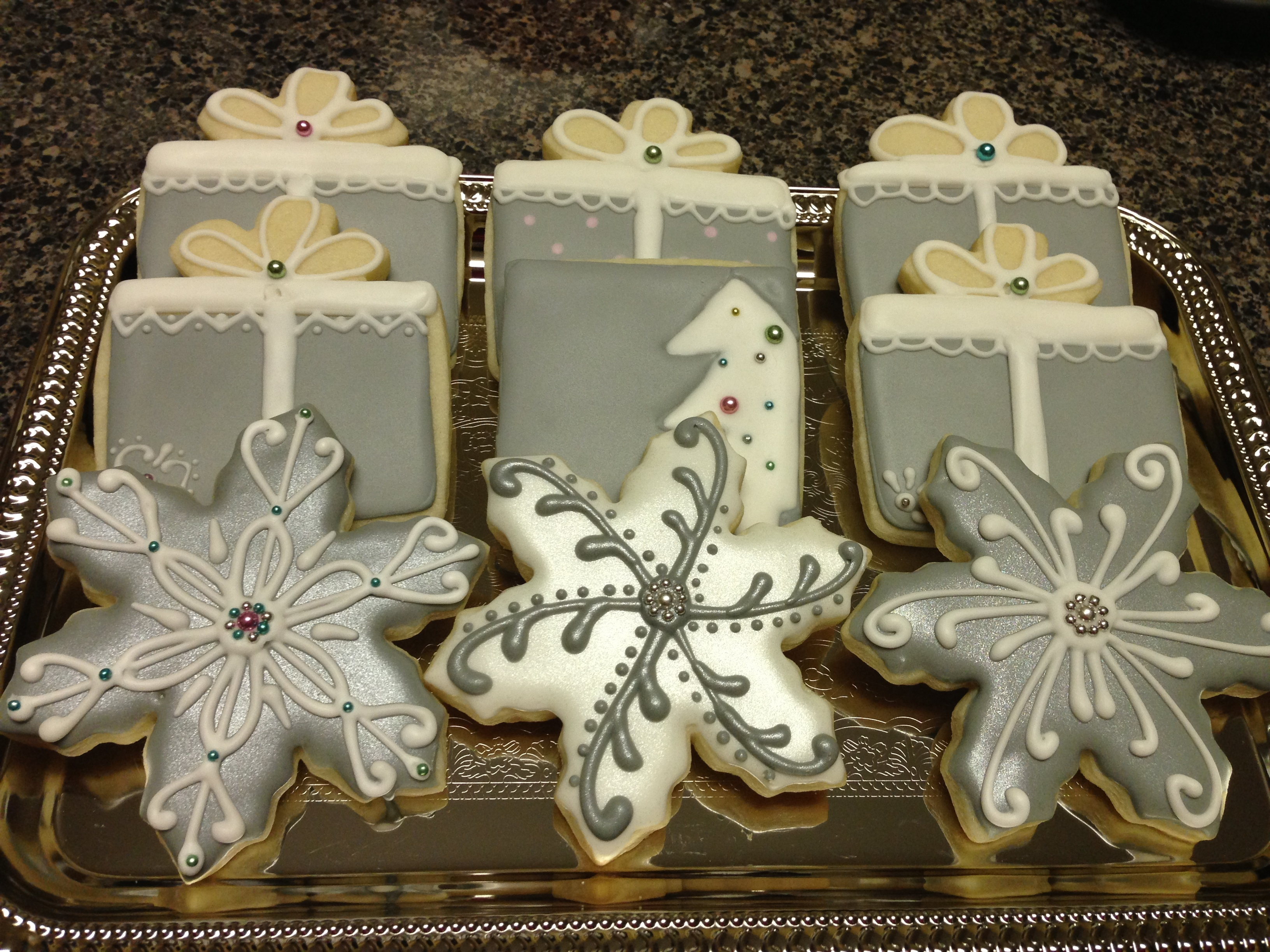 Winter Cookies Was looking for something different from the normal red and green. Came across this combination on pinterest. A combo from a few great...
