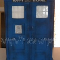 For The Doctor Who Lover In All Of Us This Cake Is Over 20 Inches Tall And Weighed In At About 15 Pounds Dr Who Doctor Who Tardis Dal  For the Doctor Who lover in all of us. This cake is over 20 inches tall and weighed in at about 15 pounds. Dr Who, Doctor Who, Tardis,...