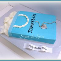 Tiffany Shopping Bag Cake And Necklace Tiffany shopping bag cake and necklace.