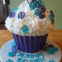 Large Cupcake With Peace Signs thank you mrsvb78 for the shell tutorial