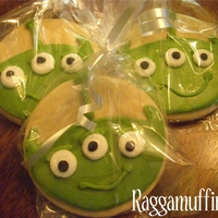 Alien Cookies See all my pictures on Facebook under Raggamuffins Cakes & Cookies