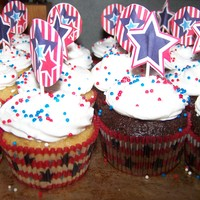 Simple 4Th Of July Cupcakes just a batch of simple whipped cream iced cupcakes - butter pecan & triple chocolate