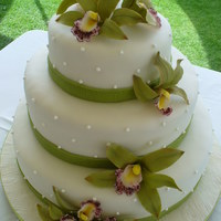 Wedding Cake With Orquids