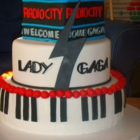 Lady Gaga's Welcome Home Cake   Cake for Lady GaGa after her performance at Radio City!!!