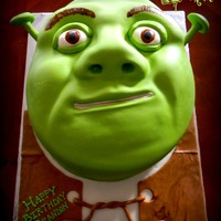 Shrek This one turned out to me one of my favorites! All of Shrek's facial features were made with a combination of cake scraps topped with...