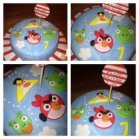 Angry Bird Birthday Cake *Angry Bird Birthday cake