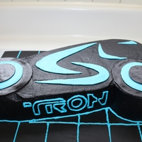 Tron Cake   Buttercream w/ MMF accents