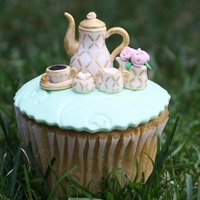 Tea Time   Tea cup cupcakes done for Cake Central Magazine along with a tutorial.