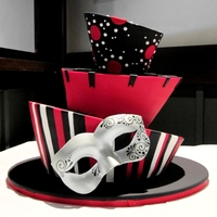 Black/red Masquerade