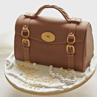 Alexa Mulberry Bag   3D sponge cake covered in fondant and details in gum paste