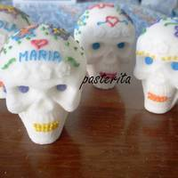 Skull Day Of The Dead calaveras de azucar, decoradas con dulce royal, sugar skull decorating white royal icing