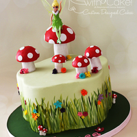 Fairy Garden Cake I had never got a chance to use my petal pan, so I was excited, when asked to do a fairy theme cake....I knew it was finally time. Grass is...