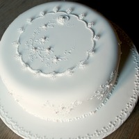 Broderie Anglaise Cake