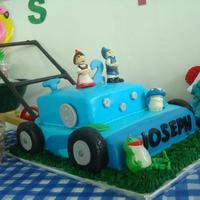 Gnomeo & Juliet This cake was made of marble pound cake and chocolate cake covered with vanilla buttercream and fondant. Gnomeo, Juliet, Nannet and...