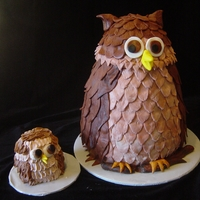 Owl Mama And Baby Owl Mama cake along with a smash cake for the birthday girl. mama cake is done in fondant, smash cake in buttercream