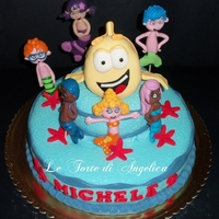 Bubble Guppies Cake the fish is make with rice krispies treat all figurine with mmf
