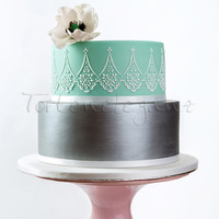 Silver Painted Cake With White Poppy