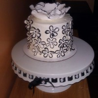 Black And White Bridal Shower Buttercream and fondant flowers