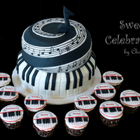 Piano Recital Cake With Individual Cupcakes Made For Each Student Piano Recital cake with individual cupcakes made for each student.