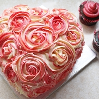 Heart, Rose Piped Cake